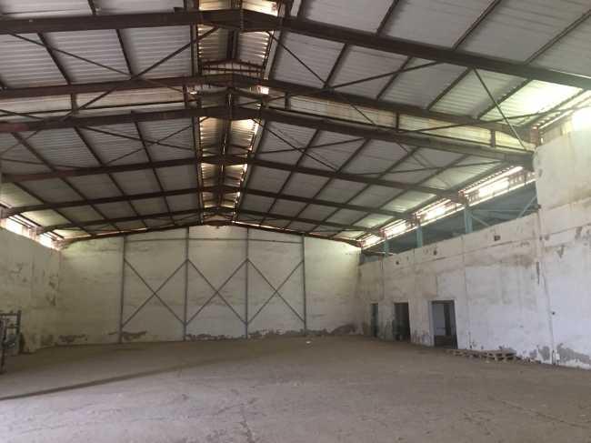 Location Hangar + bureaux, zone industrielle Wharf
