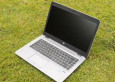 Hp ultrabook core i5  slim RAM 8GB SSD 256GB venu  USA